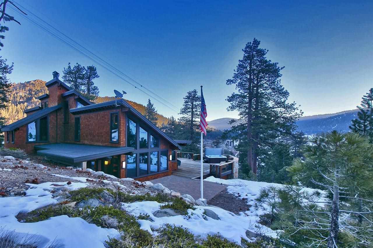 singles in squaw valley Squaw valley alpine meadows,  the variety of lodging on offer can accommodate families, couples, buddies, or singles choose from catered lodge style,.