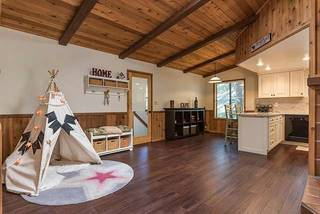 Listing Image 2 for 11514 Zermatt Drive, Truckee, CA 96161