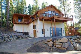 Listing Image 1 for 10845 Laurelwood Drive, Truckee, CA 96161