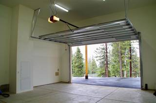 Listing Image 12 for 10845 Laurelwood Drive, Truckee, CA 96161