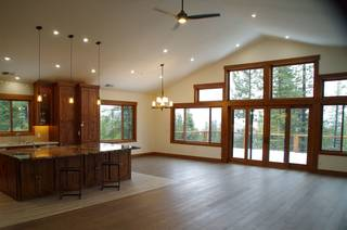 Listing Image 2 for 10845 Laurelwood Drive, Truckee, CA 96161