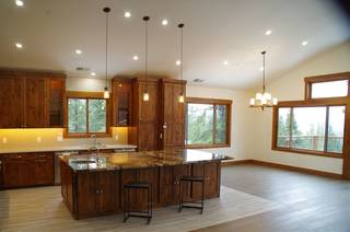Listing Image 4 for 10845 Laurelwood Drive, Truckee, CA 96161