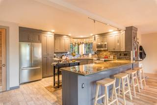 Listing Image 2 for 10380 Snowshoe Circle, Truckee, CA 96161