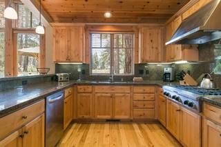 Listing Image 4 for 12458 Lookout Loop, Truckee, CA 96161