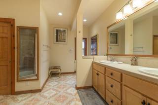 Listing Image 12 for 15917 Wellington Way, Truckee, CA 96161