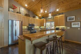 Listing Image 2 for 10401 Saint James Place, Truckee, CA 96161