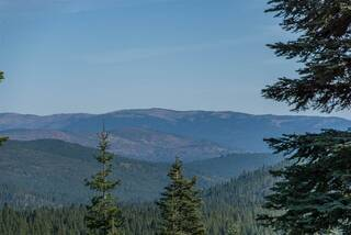 Listing Image 12 for 12197 Skislope Way, Truckee, CA 96161