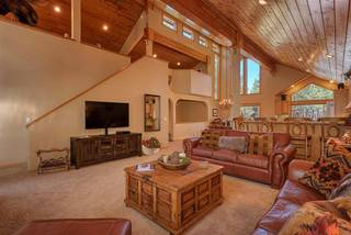 Listing Image 5 for 13271 Roundhill Drive, Truckee, CA 96161-0000