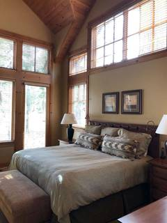 Listing Image 12 for 12175 Lookout Loop, Truckee, CA 96161