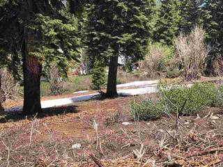 Listing Image 3 for 11805 Skislope Way, Truckee, CA 96161