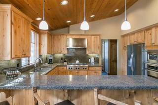 Listing Image 6 for 12498 Lookout Loop, Truckee, CA 96161-4529
