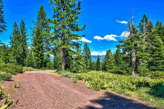 Listing Image 4 for 11743 Lockwood Drive, Truckee, CA 96161