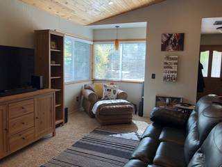 Listing Image 2 for 10361 Evensham Place, Truckee, CA 96161-1514