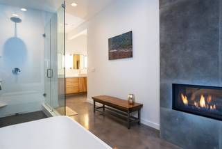 Listing Image 13 for 13792 Skislope Way, Truckee, CA 96161-0000