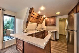 Listing Image 8 for 10832 Snow Flower Court, Truckee, CA 96161-0000