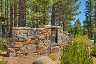 Listing Image 2 for 11759 Coburn Drive, Truckee, CA 96161