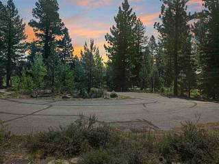 Listing Image 4 for 9040 Versant Court, Truckee, CA 96161