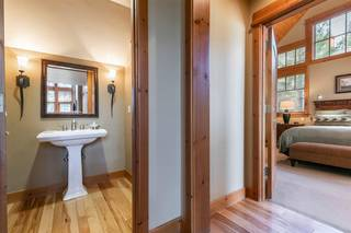 Listing Image 4 for 12445 Lookout Loop, Truckee, CA 96161