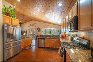 Listing Image 3 for 15141 Royal Way, Truckee, CA 96161