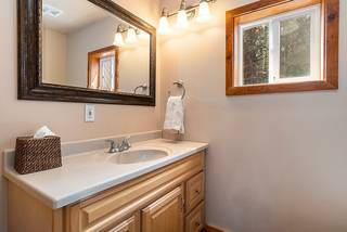 Listing Image 16 for 13893 Gyrfalcon Street, Truckee, CA 96161