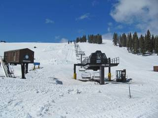 Listing Image 15 for 13025 Roundhill Drive, Truckee, CA 96161