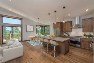 Listing Image 4 for 11805 Skislope Way, Truckee, CA 96161-0000
