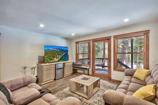 Listing Image 13 for 12425 Skislope Way, Truckee, CA 96161-6620