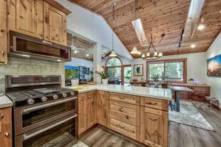 Listing Image 7 for 12425 Skislope Way, Truckee, CA 96161-6620