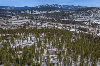 Listing Image 4 for 11724 E Sierra Drive, Truckee, CA 96161