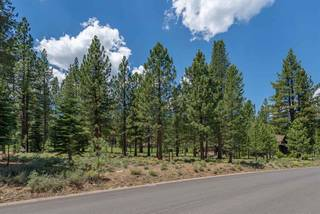 Listing Image 2 for 8225 Lahontan Drive, Truckee, CA 96161-1234