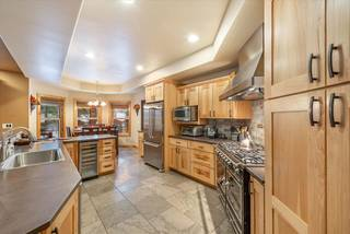 Listing Image 4 for 12726 Greenwood Drive, Truckee, CA 96161