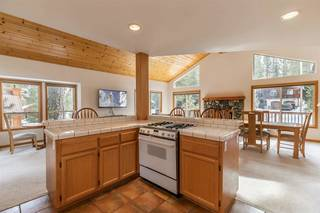 Listing Image 11 for 11940 Bavarian Way, Truckee, CA 96161