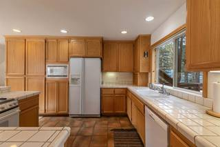 Listing Image 12 for 11940 Bavarian Way, Truckee, CA 96161