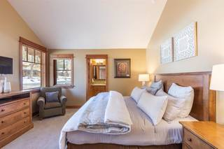 Listing Image 12 for 12478 Lookout Loop, Truckee, CA 96161
