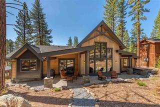 Listing Image 2 for 11490 Bottcher Loop, Truckee, CA 96161-2784