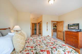 Listing Image 11 for 11612 Dolomite Way, Truckee, CA 96161-0000