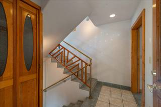Listing Image 4 for 12821 Sierra Drive, Truckee, CA 96161