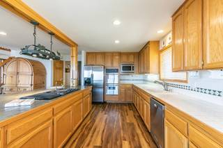 Listing Image 9 for 14395 Skislope Way, Truckee, CA 96161