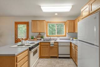 Listing Image 14 for 10145 Martis Valley Road, Truckee, CA 96161
